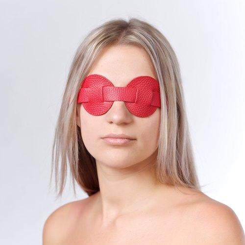 Маска на глаза кожаная красная 3086-2