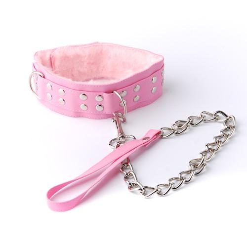 Ошейник розовый с меховой подкладкой, с металлической цепочкой-поводком с карабином на конце